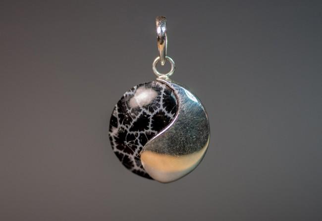 Hanger zwart schuimkoraal