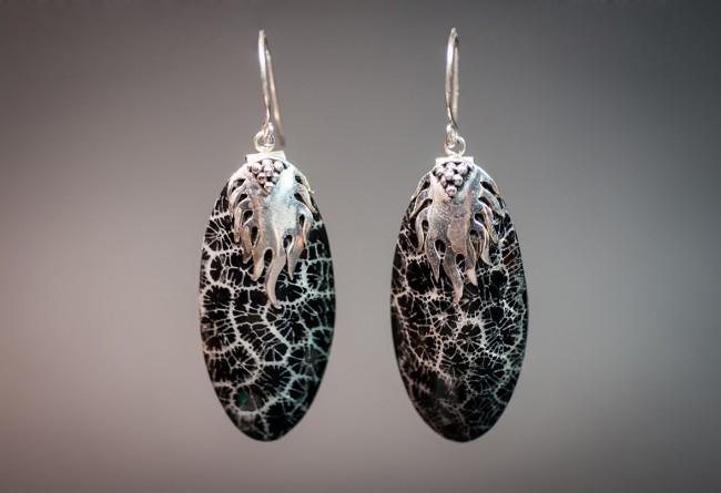 oorbellen zwart schuimkoraal